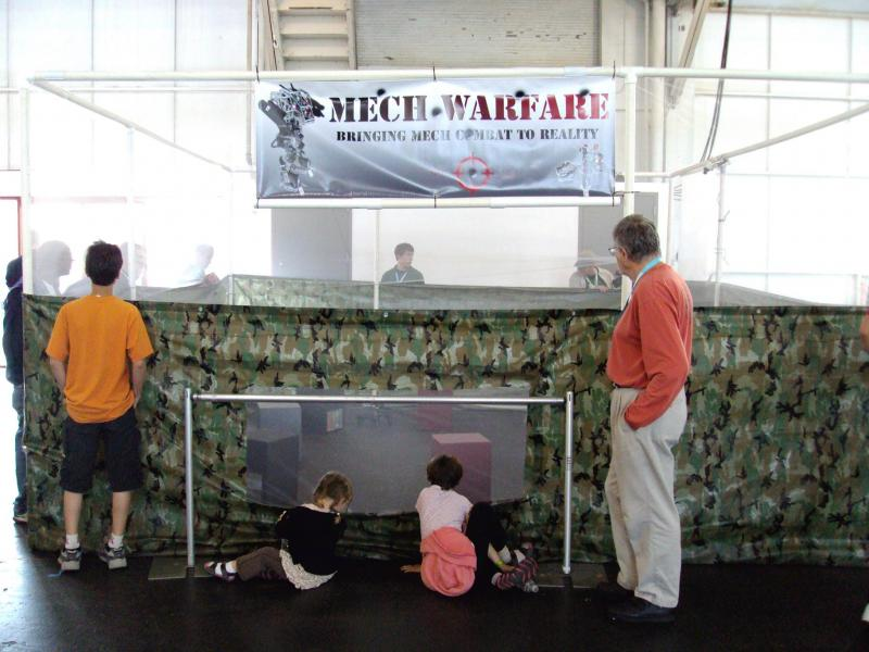 Mech Warfare Arena by DresnerRobotics in RoboGames 2009
