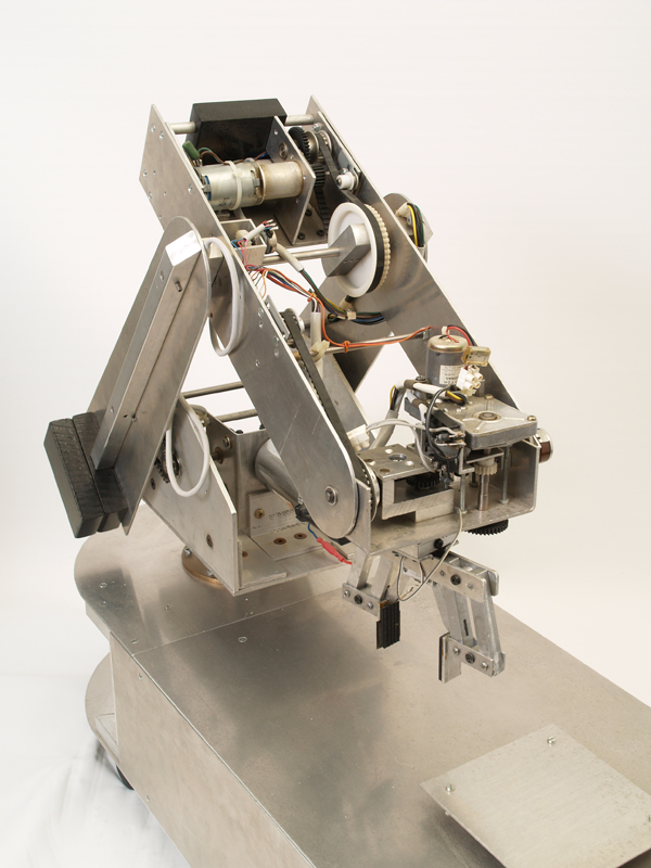 My 18 Year Old Robot Arm by Zenta in Member Galleries