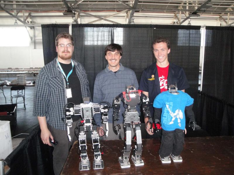 Tyberius, Rob And Chris by Alex in RoboGames 2009
