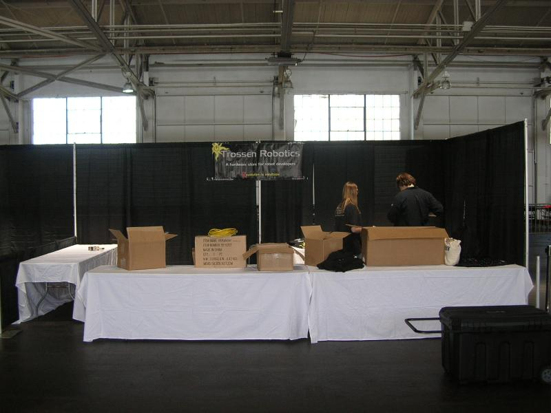 Setting Up The Trc Booth by Alex in RoboGames 2008