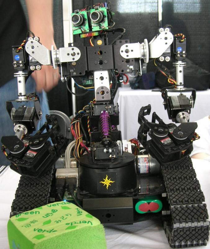Tyberius's Johnny5 by Alex in RoboGames 2008