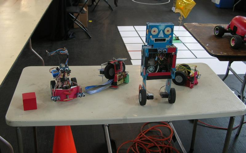 Crazy Lil Bots by Alex in RoboGames 2008