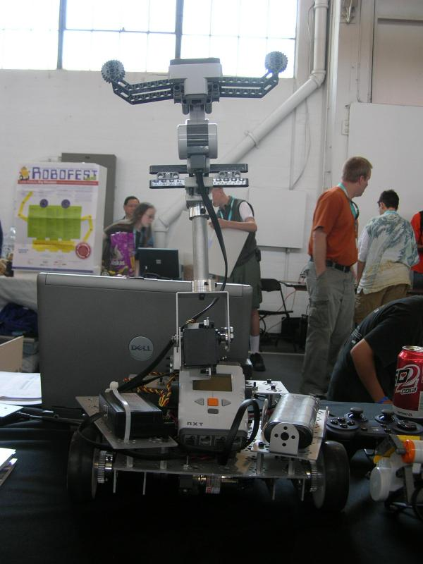 Sic Lego Mindstorms Bot by Alex in RoboGames 2008