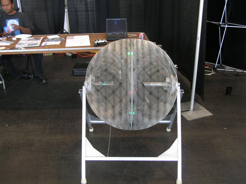 Crazy Spinning Ball by Alex in RoboGames 2008