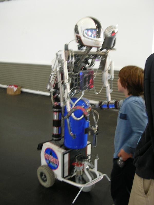 Teleoperated Robot by Alex in RoboGames 2008